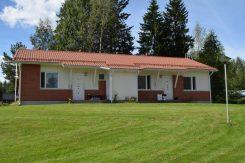 Kuvassa Perhon kunnan vuokra-asunto Perhon kartano Oksakoski.