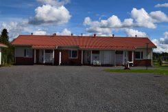 Kuvassa Perhon kunnan vuokra-asunto Vehtarinkujalla.