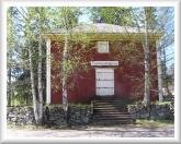 Kuvassa Perhon kotiseutumuseo entisessä viljamakasiinissa.